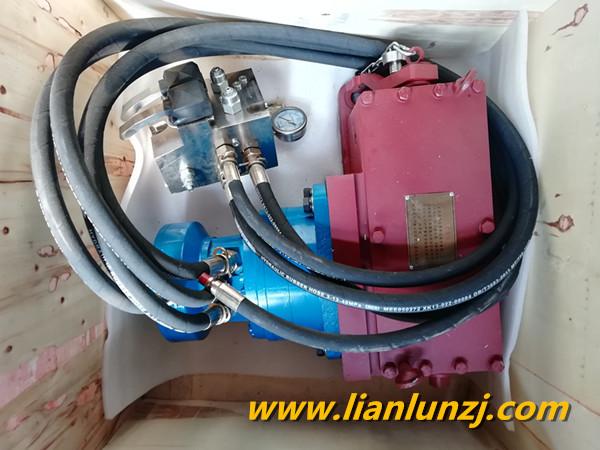 4JLB液压紧链器工作时的紧链过程