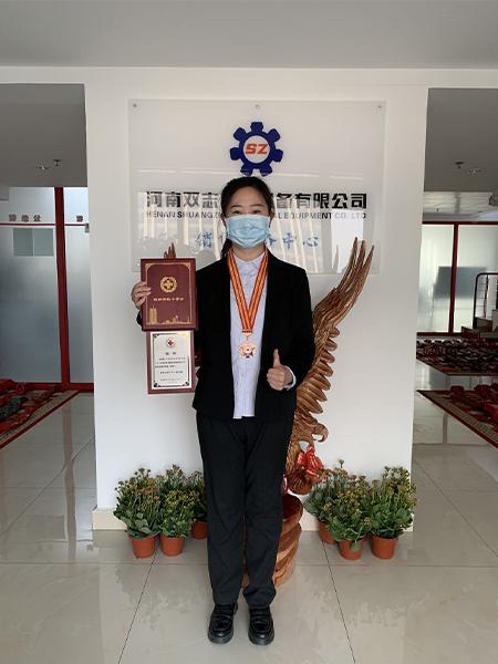 河南双志荣获红十字会奖章