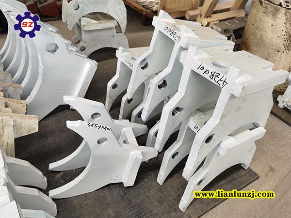 河南双志机械:6Z004-0202机尾拨链器工作原理