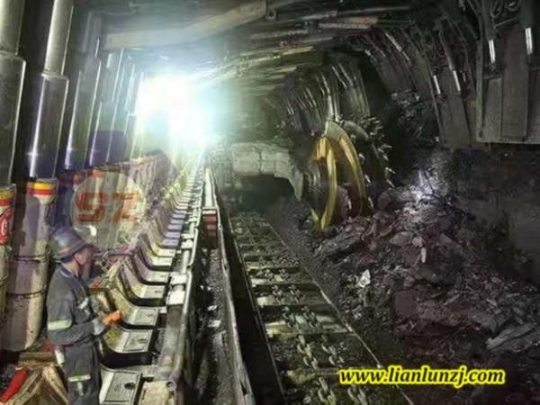 综采刮板下井运行!双志煤机大力推动能源基地建设!